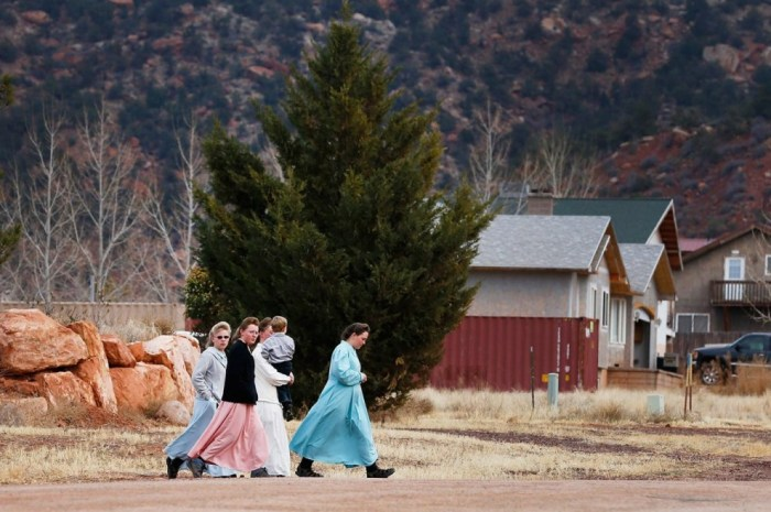 image-adapt-990-high-flds_hildale_women-1426597093492